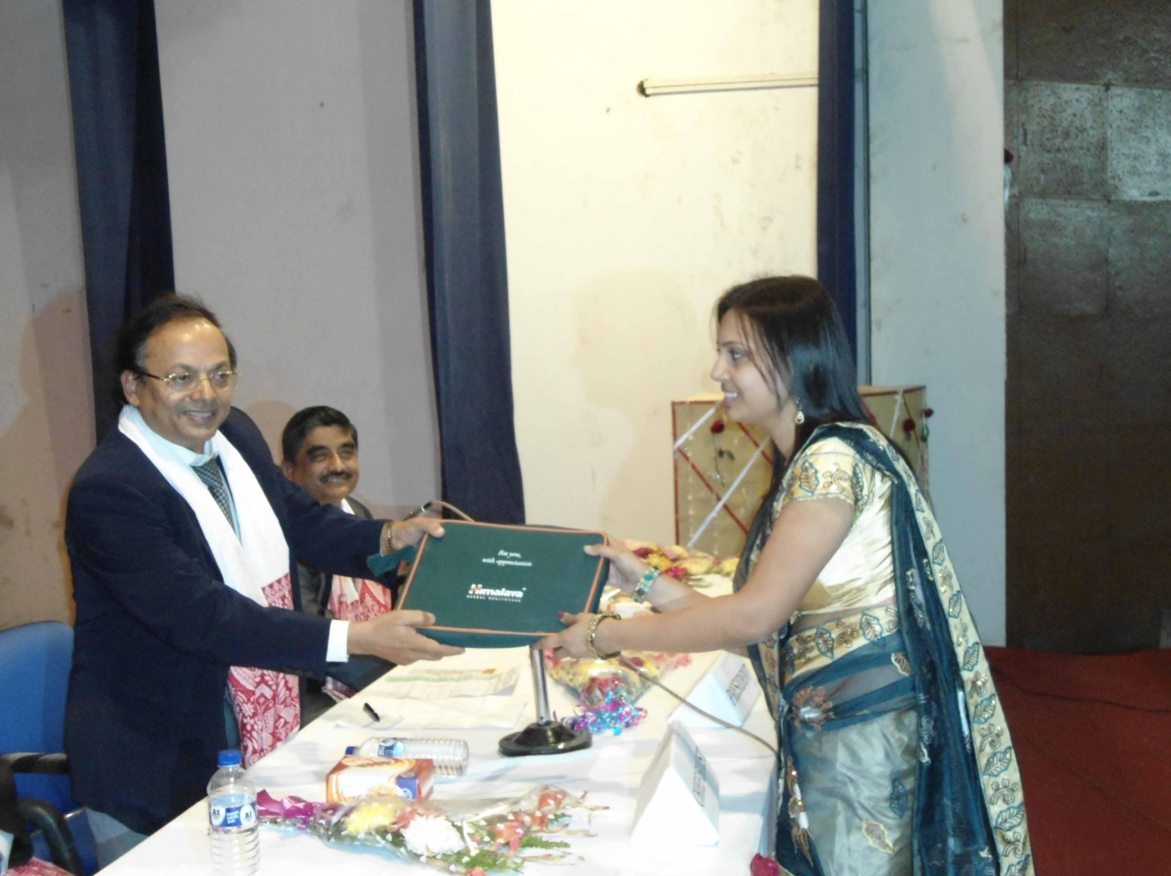 Dr. O.P. Gupta Congratulating Final Year Passed Students 2011